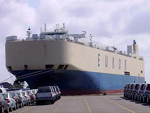 Ship ahoy! – VOLK Diesel Tow Tractors on great voyage