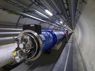 Auf Kollisionskurs – VOLK Elektro-Zugmaschine am Europäischen Kernforschungszentrum