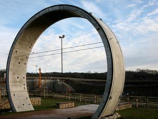 VOLK-Elektroschlepper beim Tunnelbau
