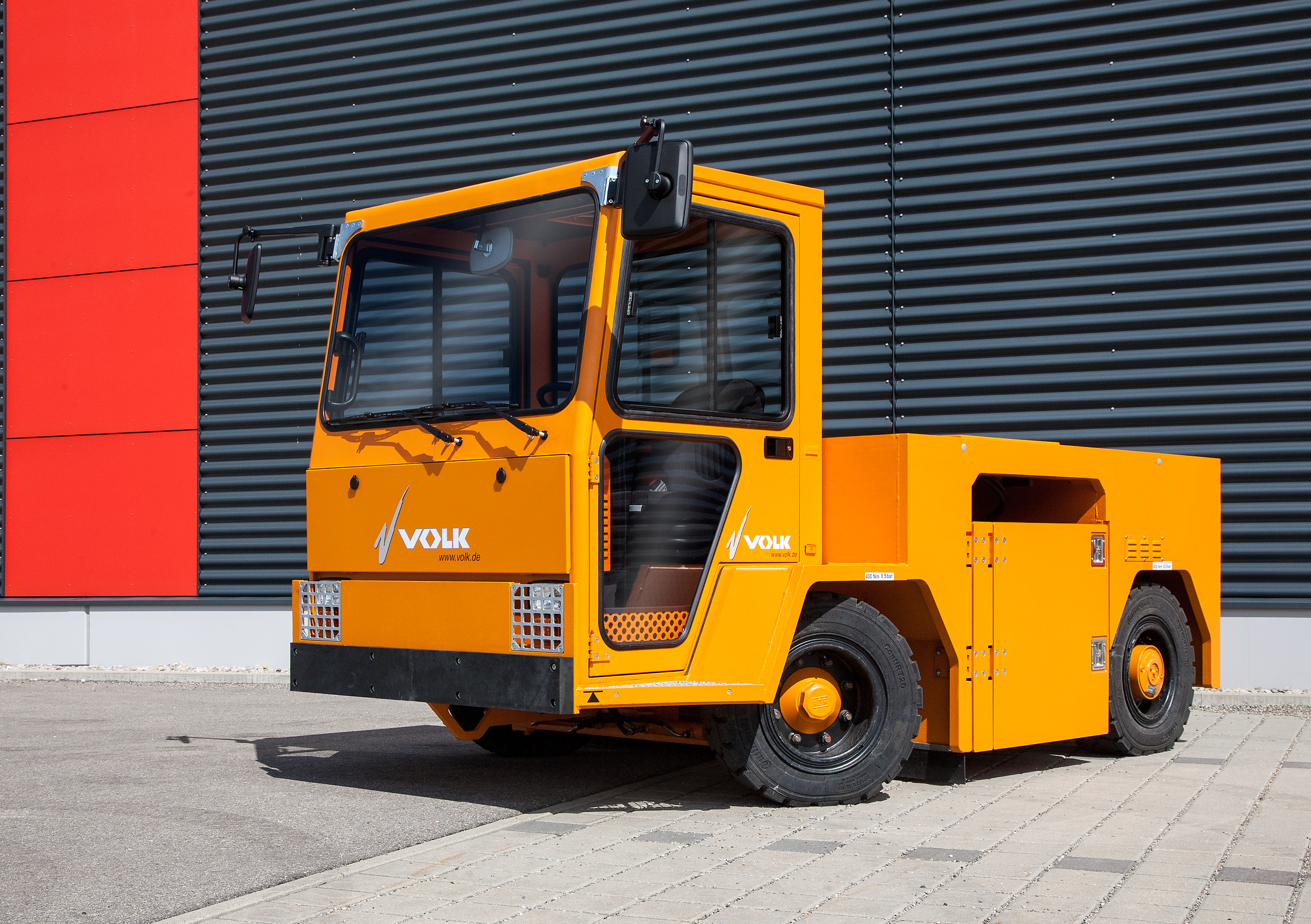 VOLK_Electric-tow-tractor_EFZ-80Nv2