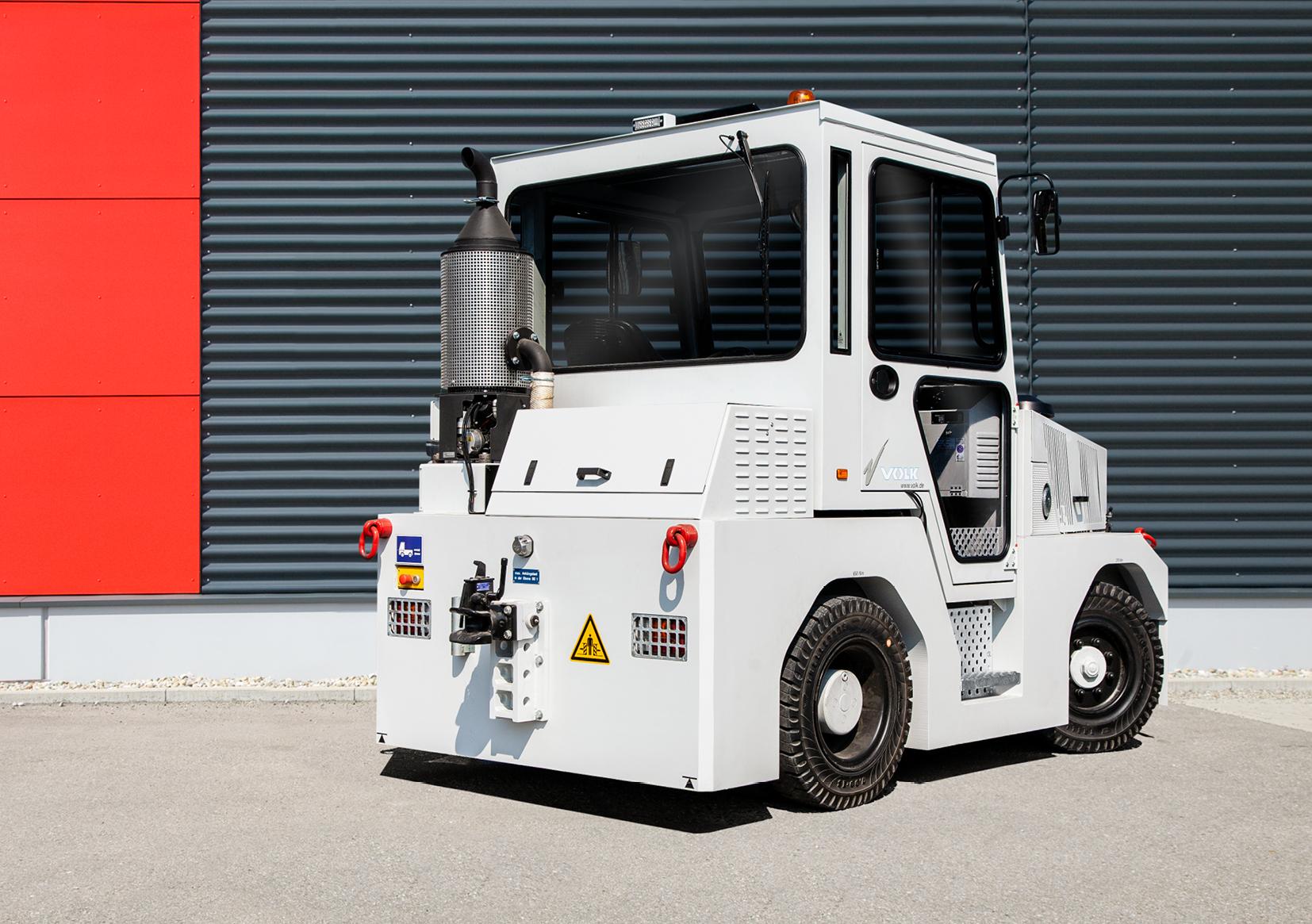 VOLK Diesel tow tractor DFZ 80 H