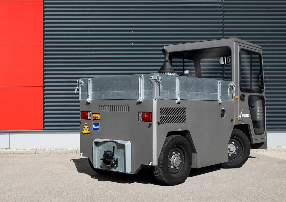 VOLK Diesel tow tractor DFZ 30NT Used