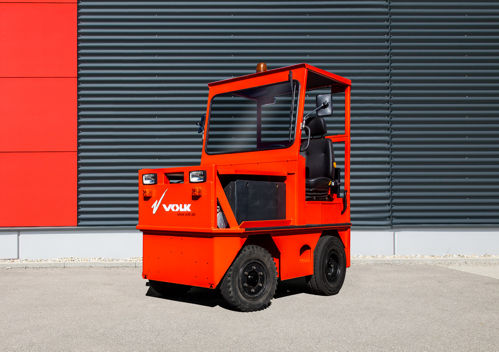 VOLK Electric tow tractor EFZ 20H Used